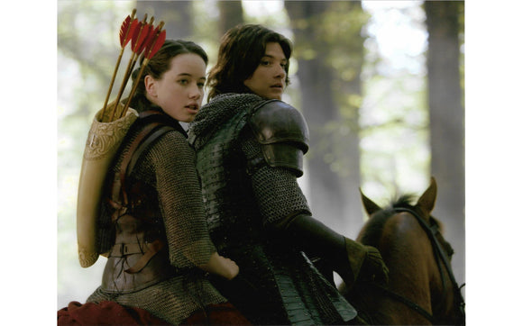 Chronicles of Narnia: Prince Caspian and Susan Photo Print :: Mental XS Online