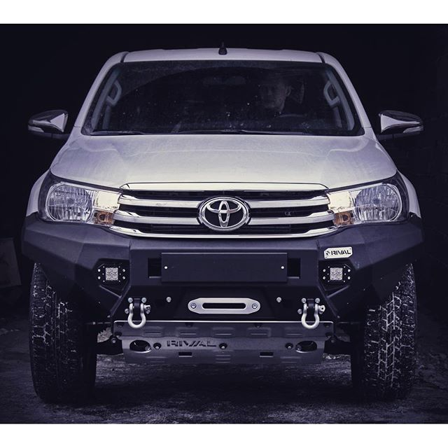products/hilux_rivo_front_bumper_2.jpg