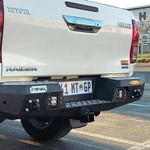 products/hilux_rivo_rear_3.jpg