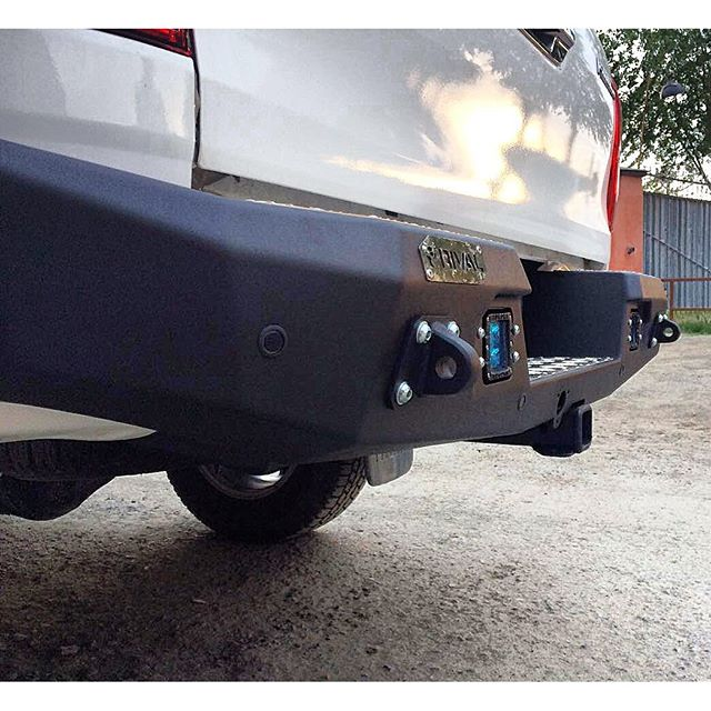 products/hilux_rivo_rear.jpg