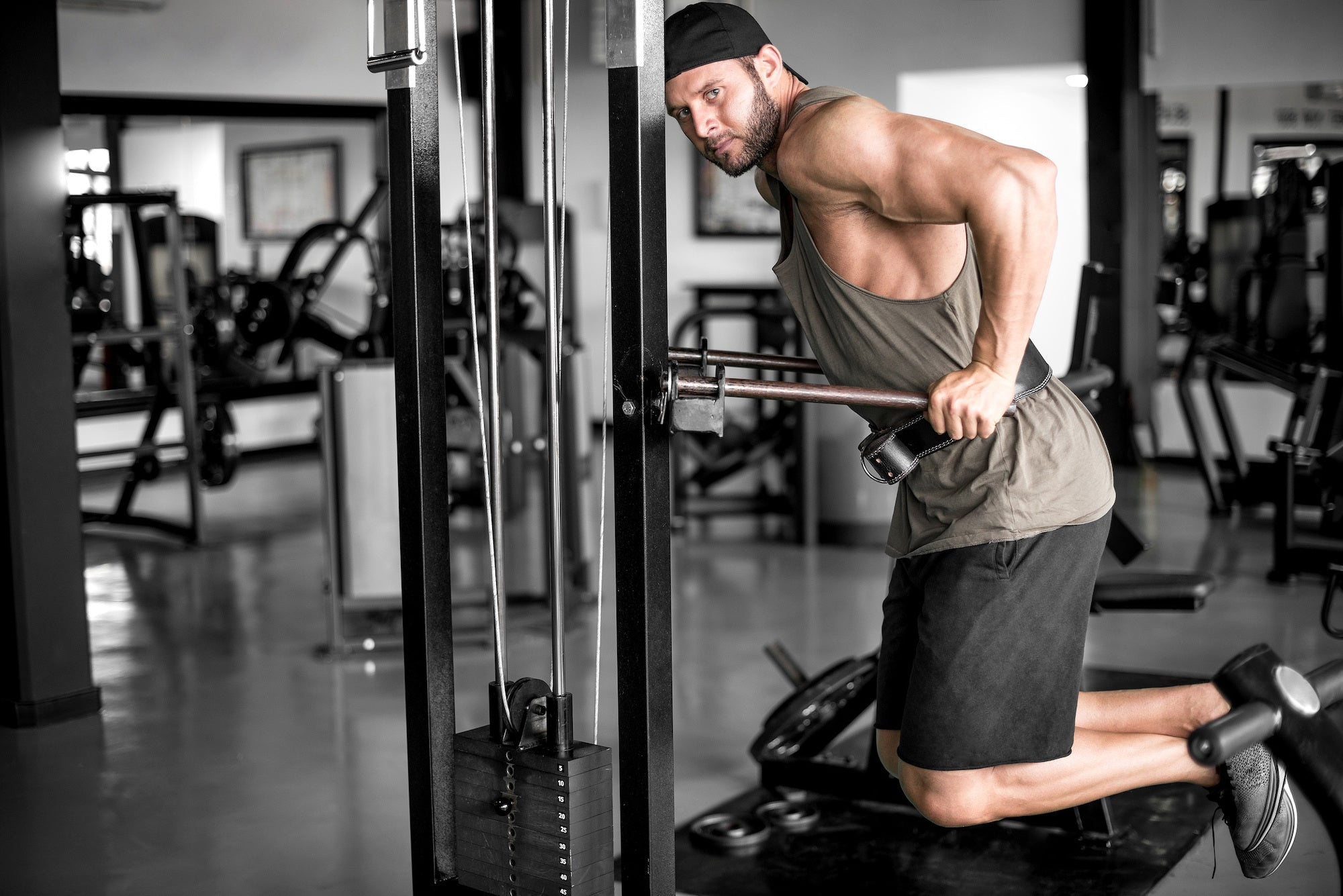 How to Do Tricep Dips to Build Arm Strength