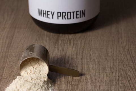 Whey protein food supplement for training and exercise