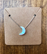 Howl At The Moon 🌙 Necklace