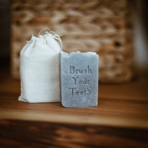 TEETH SOAP BAR - FENNEL & CHARCOAL