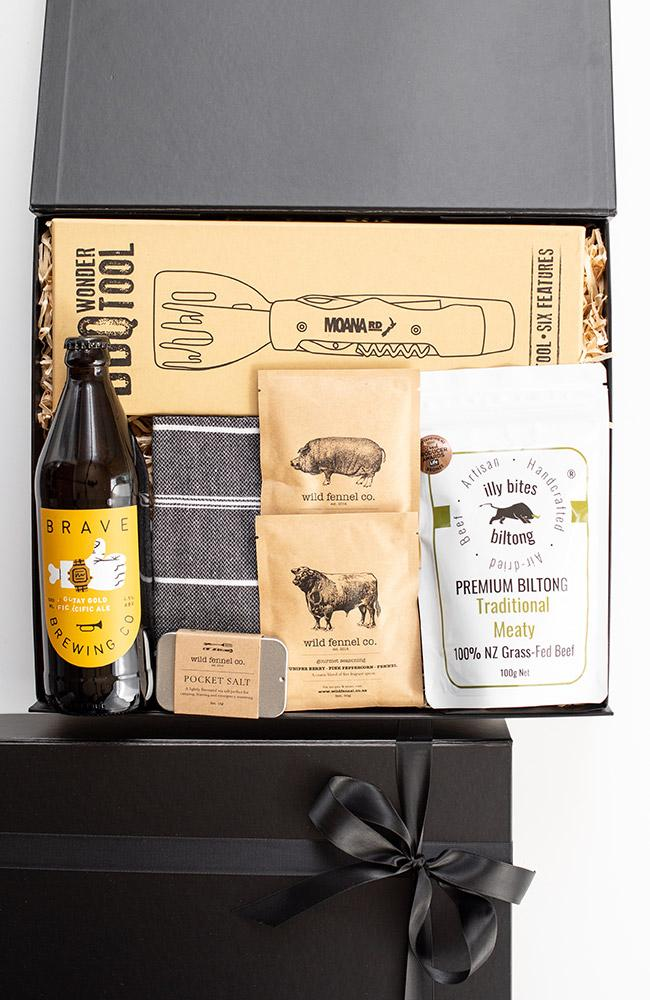 beers and bbq gift box for men
