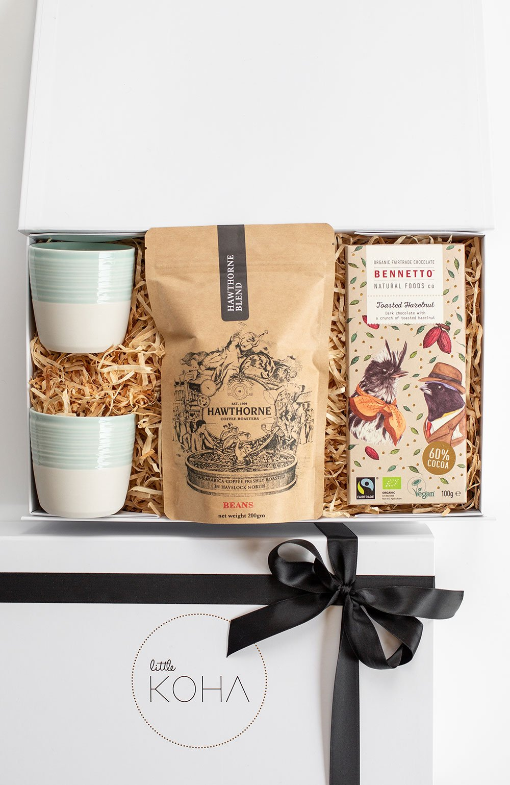 Coffee cups and coffee gift box
