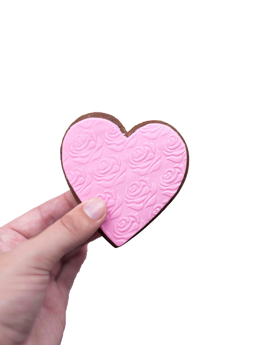 Gingerbread pink heart