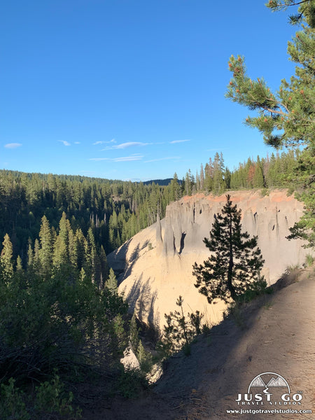 Pinnacles Trail in Crater Lake National Park