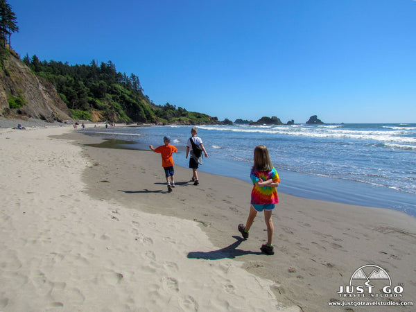 Ecola State Park, walking on the beach