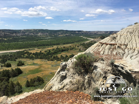 Overlook on the Caprock Coulee Trail in Theodore Roosevelt National Park