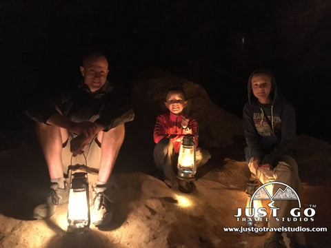 the lantern tour in Jewel Cave National Memorial