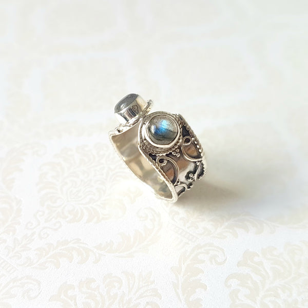 Goddess Seshat Labradorite Sterling Silver Ring - Lakota Inspirations