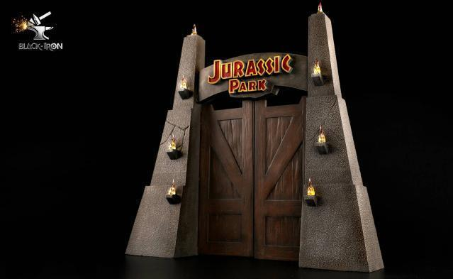 Pre-order BLACK IRON 1/35 Jurassic Park Gate LED Statue