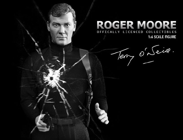 In-stock 1/6 Scale DID RM001 Roger Moore British Actor