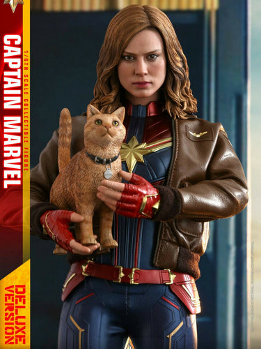Pre-order 1/6 scale Hot Toys MMS522 Captain Marvel (Deluxe Ver.)