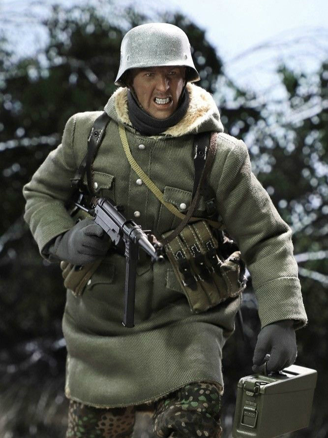 In-stock 1/6 DID D80131 WWII SS Master MG42Gun-fighter Egon Action Figure