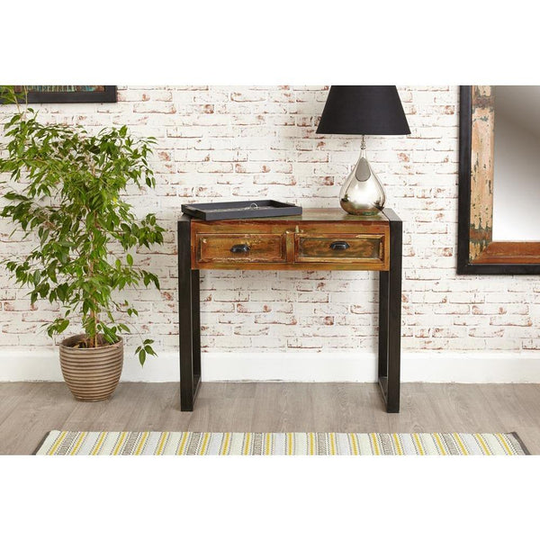 Interior design suggestion for small industrial console table