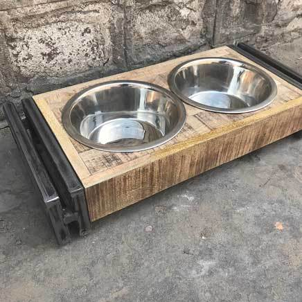 Small animal pet feeder dining set