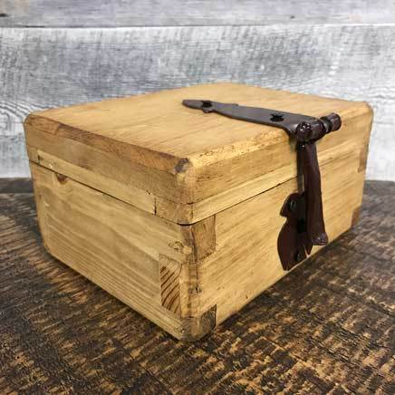 Small rustic pine rustic jewelry box