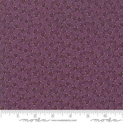 Evelyns Homestead - Betsy Chutchian - Spreading Phlox - 31563-18 - Fabric is sold in 1/2 yard increments