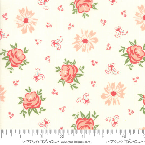 Harpers Garden - Sherri & Chelsi - Ivory - Roses - 37570-11 - Fabric is sold in 1/2 yard increments