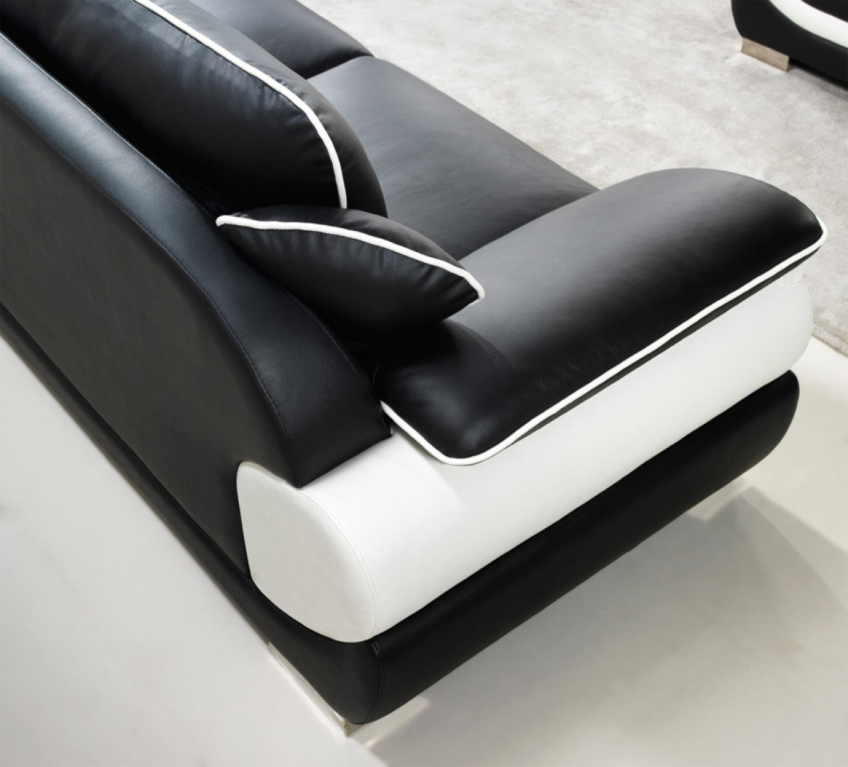 ... Divani Casa T777 Modern Black U0026 White Bonded Leather Sofa Set ...