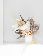 Valentines_gifts_dried_flowers_in_vase_bloom_berry
