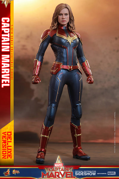 SIDESHOW Collectible - Captain Marvel Deluxe Version Sixth Scale - Pre-Order