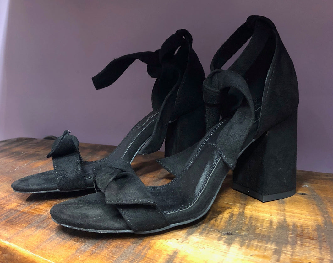 Margie Black Heel With Bow