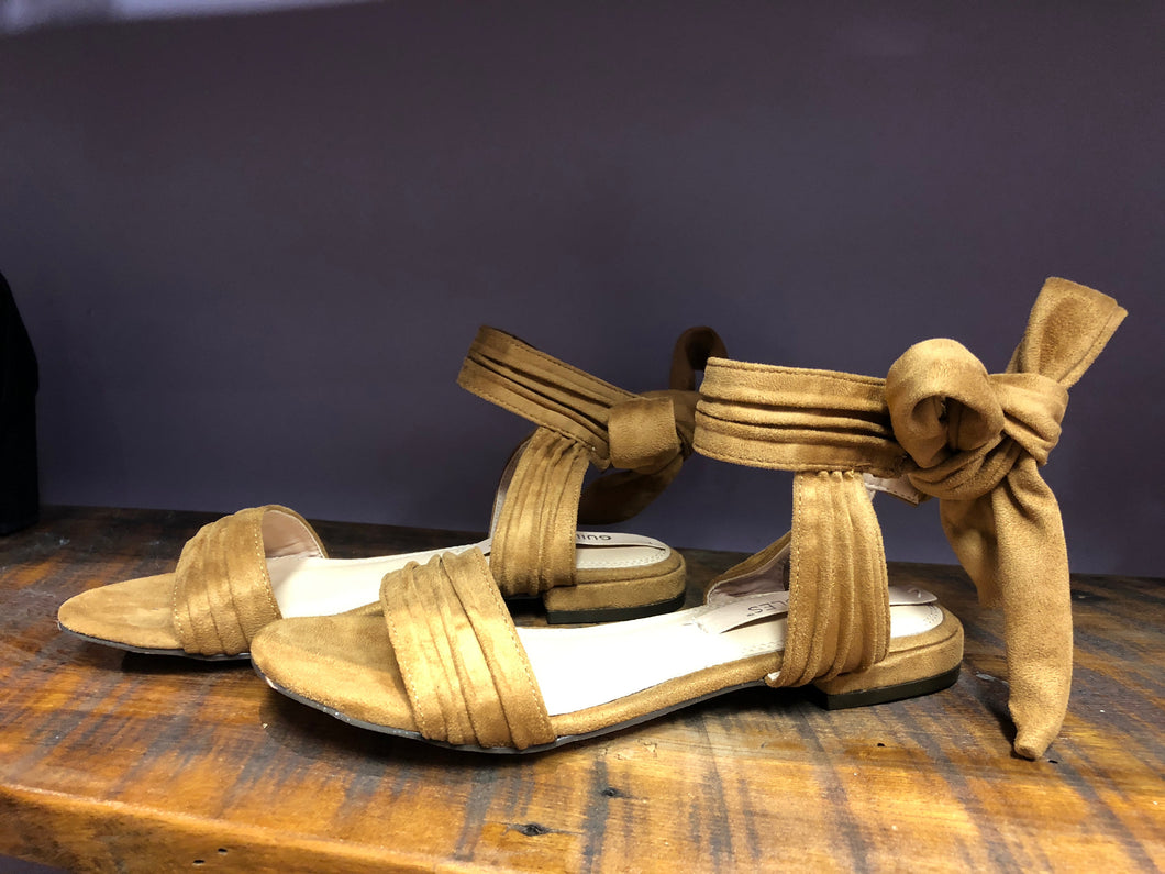 Emory Flat Camel Sandal With Bow