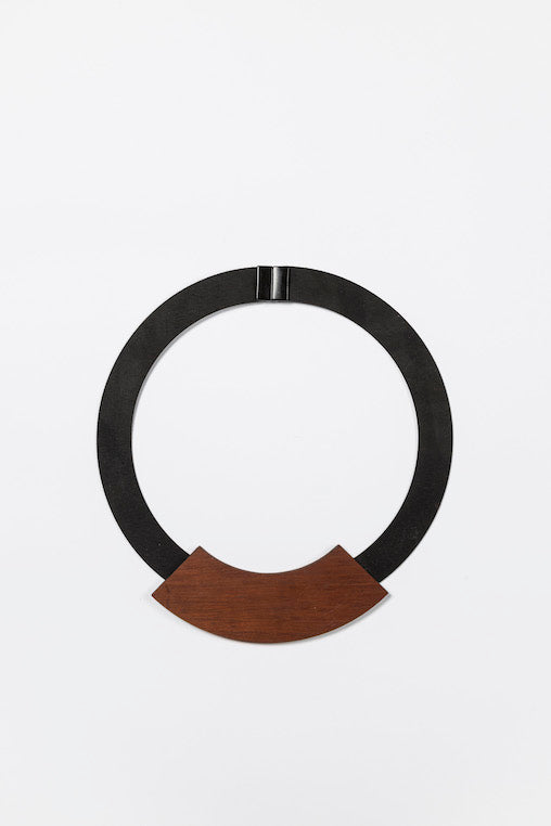 Lina Necklace - brown
