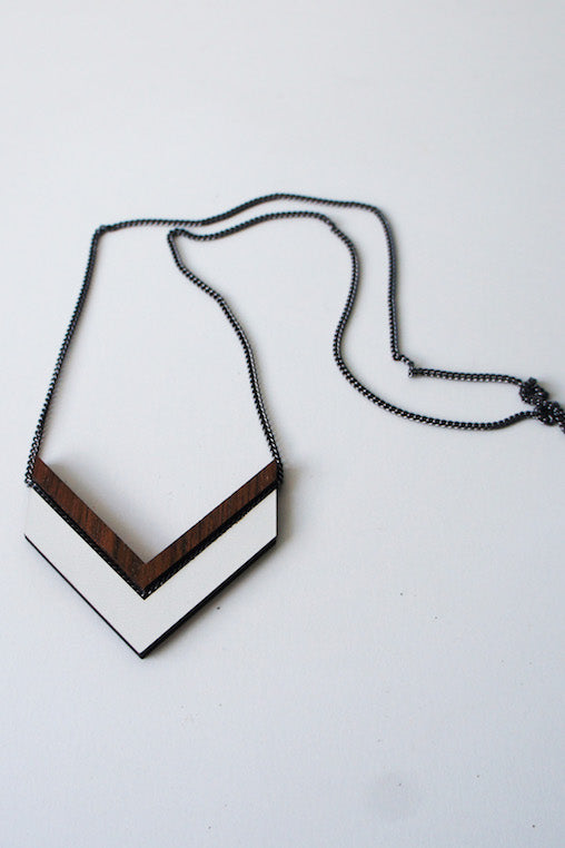Campana Necklace - white