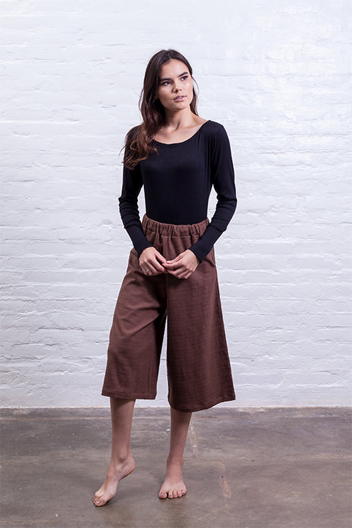 closed culotte pants brown mudha sustainable linen cotton