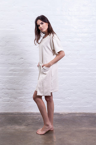 Big pocket dress beige