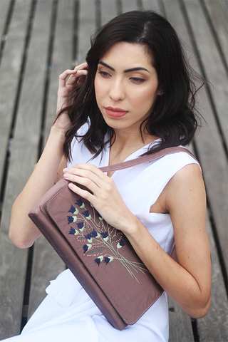 baguette_mauve_oazô_bag_silk_reused_upcyling_bag_model