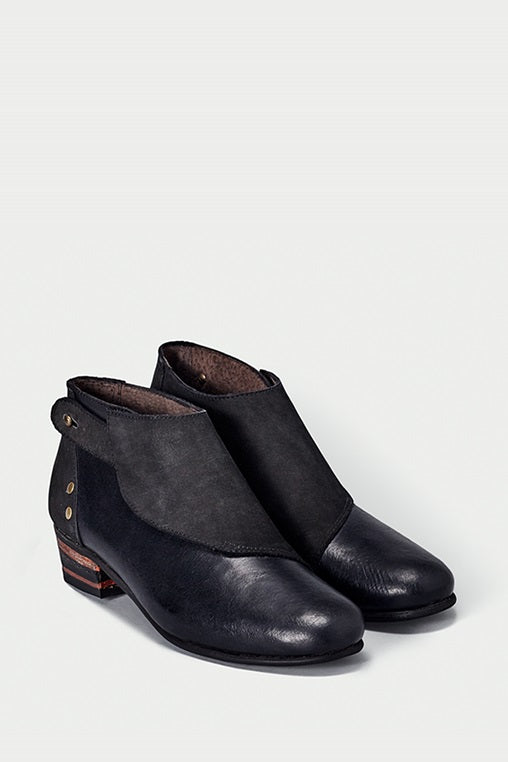 shoe 22 caboclo black boots leather sustainable