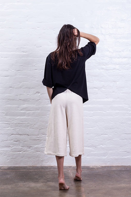 closed culotte pants beige mudha sustainable linen cotton back