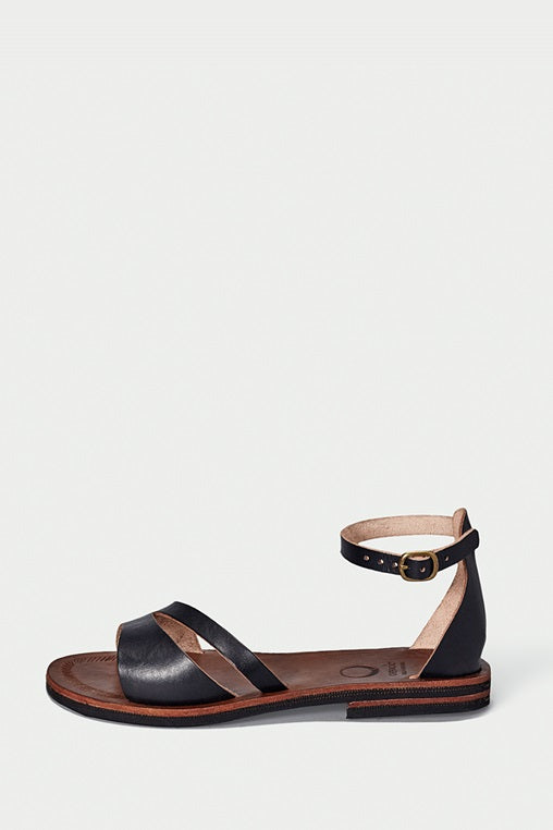 búzios black sandals caboclo leather side