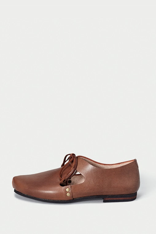 urbana shoes caboclo closed leather brown sustainable side