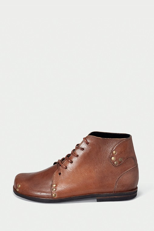 shoe 29 caboclo brown boots leather sustainable side