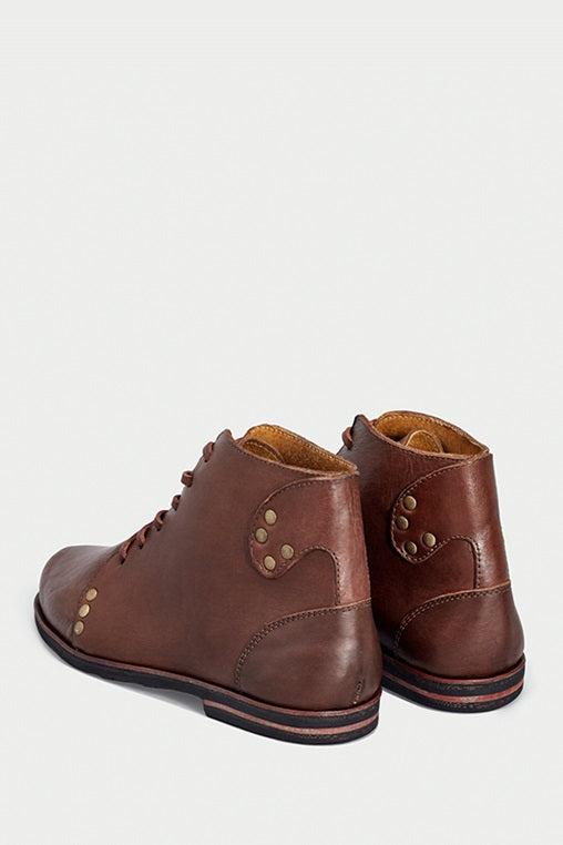 shoe 28 caboclo brown boots leather sustainable back