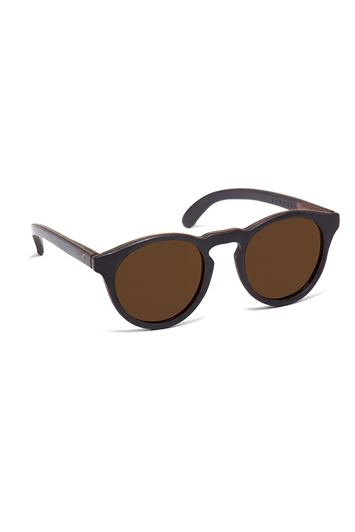model_side_sunglasses_wood_sustainable_zerezes_rounded_dark