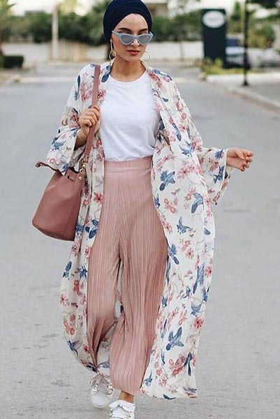 Best Abaya Fashion To Wear On Girl's Night