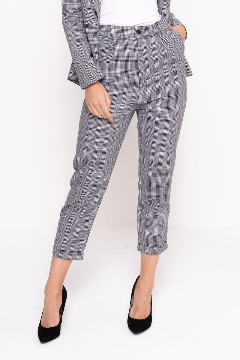 modest matching grey co-ord suit loose fitting pants