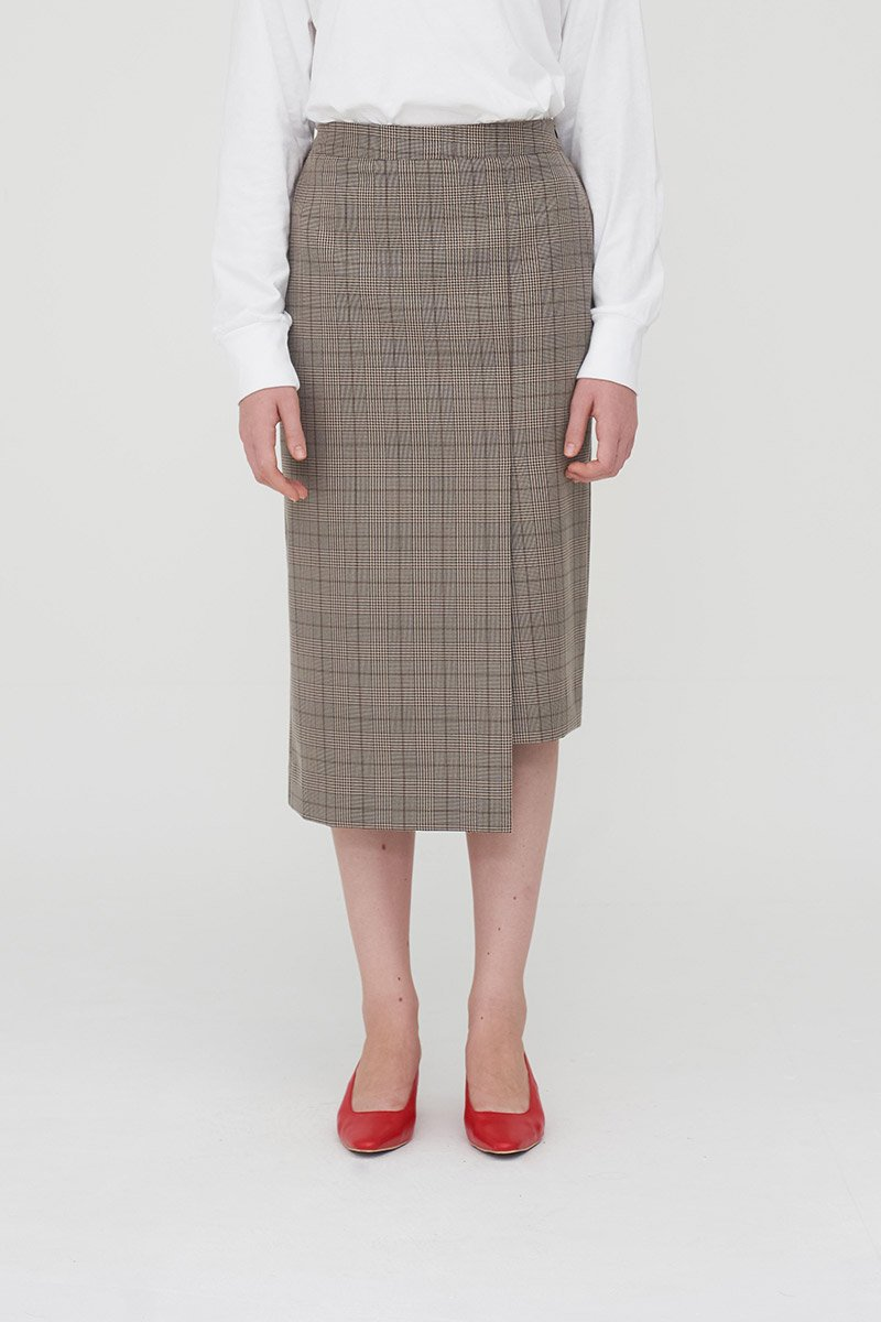 modest checkered midi skirt in brown