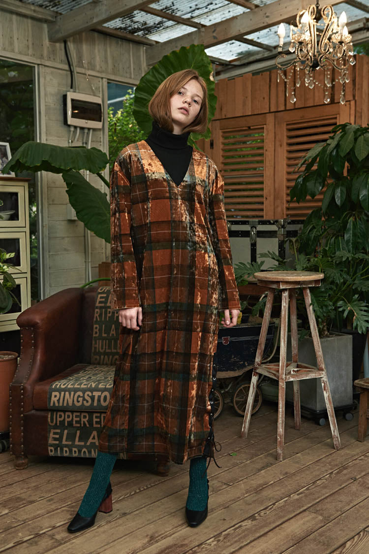 ESTERISK Gold Check Modest Loose Fitting V-Neck Mood Velvet Long Dress
