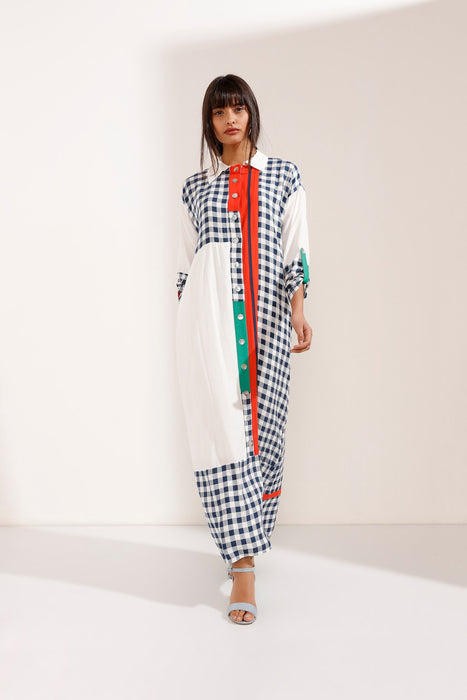Store WF Artsy Maxi Dress with Shirt Collar and Buttons Modest Loose Fitting Shirt Dress with Long Sleeves and Checkered Details in 100% Cotton