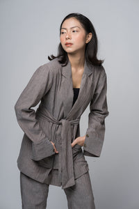 módni Canna Blazer Modest Grey Stripe Loose Women Outerwear Long Sleeves with Sash in Cotton