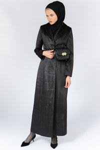 FERADJE Modest Women Royal Abaya in black with collar and elegant pleated abraham fabric. It is unbuttoned and has fitted straight arms. It is design as a coat so it's perfect for any occasion and season. It can be machine washed front view