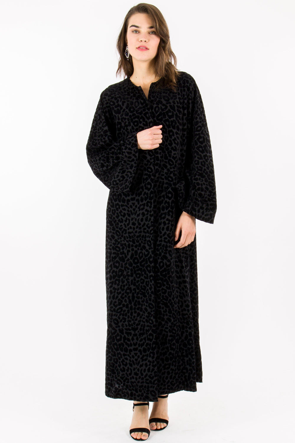 STORE WF Leopard Velvet Abaya Modest Long Sleeve Loose Black Abaya with Embossed Leopard Print